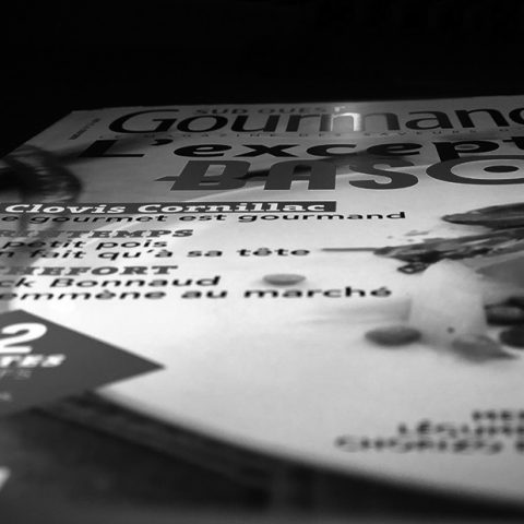 magazine dos carré collé